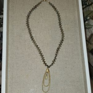 Fresh water pearl necklace green/yellow